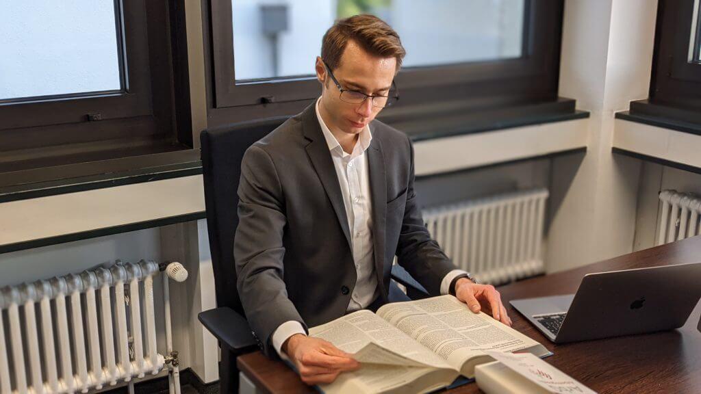 Raphael Lugowski, Fachanwalt für Arbeitsrecht